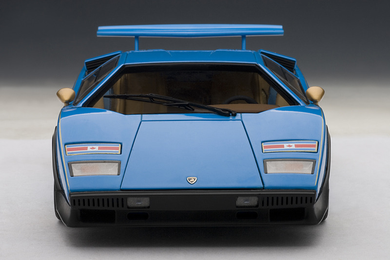 lamborghini countach walter wolf edition blue 1 18 autoart 74652 nib. Black Bedroom Furniture Sets. Home Design Ideas